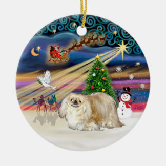 Xmas Magic - Pekingese (cream) Round Ceramic Decoration