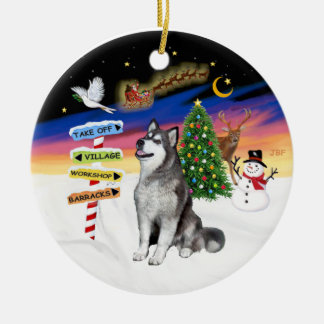 Xmas Signs - Alaskan Malamute Round Ceramic Decoration