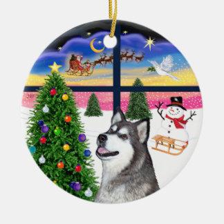 Xmas Window - Alaskan Malamute Christmas Ornament