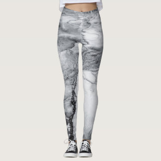 Yelllowstone Leggings in Black And White