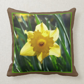 Yellow Daffodil 03.2.g Throw Pillow