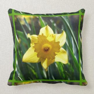 Yellow Daffodil 03.4.g Throw Pillow