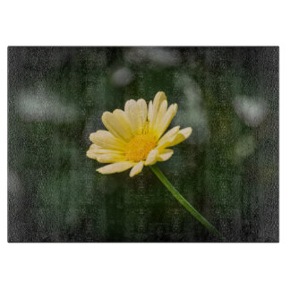 Yellow daisy glass cutting board