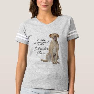 Yellow Lab Mom T-Shirt