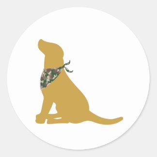 Yellow Labrador / Camo Bandana Classic Round Sticker