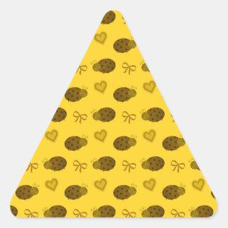Yellow ladybugs hearts bows pattern triangle sticker