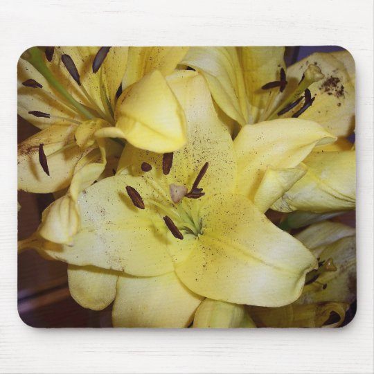 Yellow lillies mouse mat