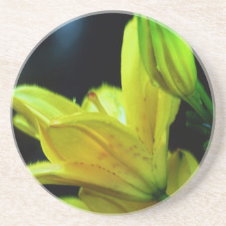 Yellow Lily With Wind Effect Coaster