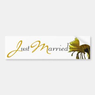 Yellow Mum Just Married - Yellow/Black text Bumper Sticker