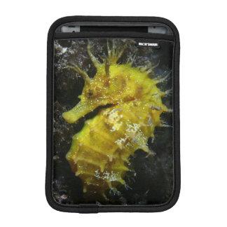 Yellow Seahorse | Hippocampus Guttulatus iPad Mini Sleeves