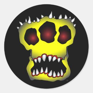 yellow skull-1 classic round sticker