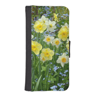 Yellow spring daffodils iphone wallet case
