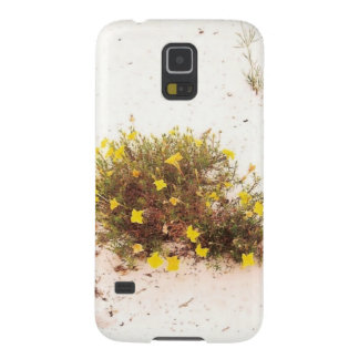 Yellow Wildflowers in White Sand Galaxy S5 Case