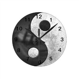 Yin and Yang Clock