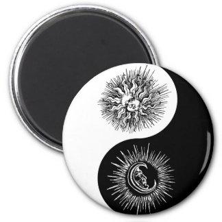 Yin and yang sign - Sun vs Moon Magnet