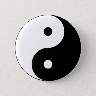 Yin and yang (yin-yang, yin yang, 陰陽). 6 cm round badge