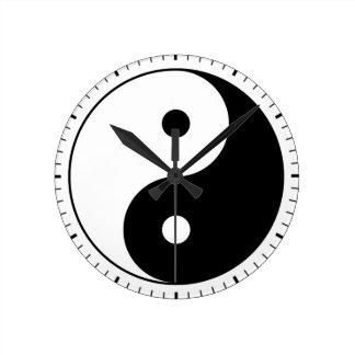 Yin and yang (yin-yang, yin yang) - Taoist Symbol Round Clock