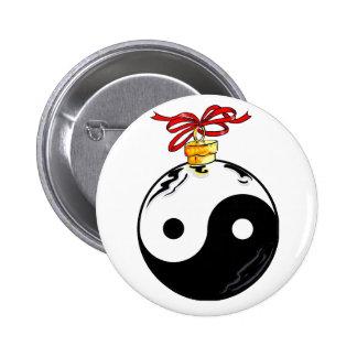 Yin & Yang Christmas Ball 6 Cm Round Badge