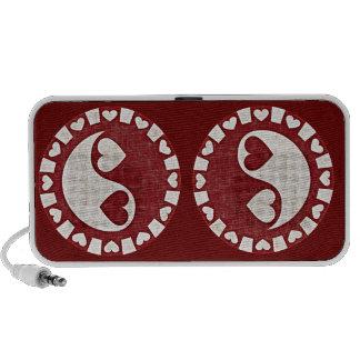 YIN YANG HEARTS RED Doodle Speaker