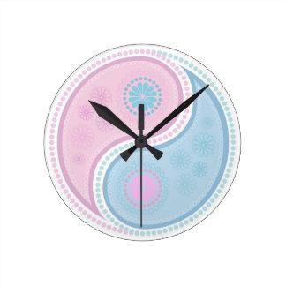 Yin Yang Paisley Design Round Clock