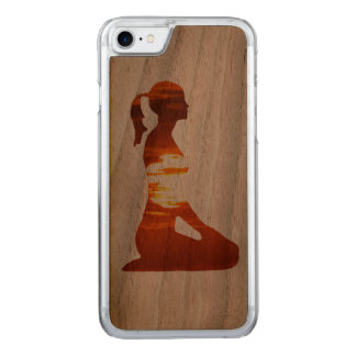 Yoga woman meditating in the evening sun carved iPhone 7 case
