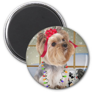 Yorkie Watches For Santa 6 Cm Round Magnet