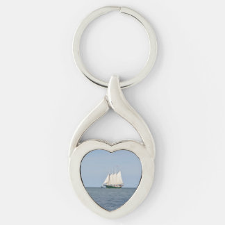 Yorktown Silver-Colored Twisted Heart Key Ring