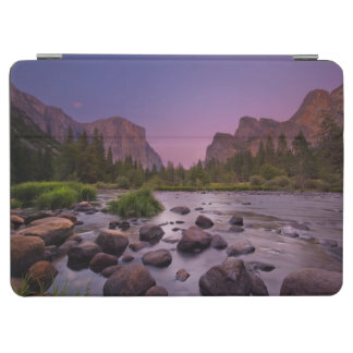 Yosemite National Park at Dusk iPad Air Cover