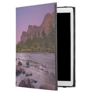 """Yosemite National Park at Dusk iPad Pro 12.9"""" Case"""