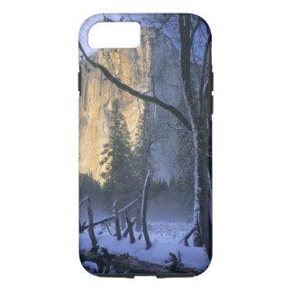 YOSEMITE NATIONAL PARK, CALIFORNIA. USA. Light iPhone 8/7 Case