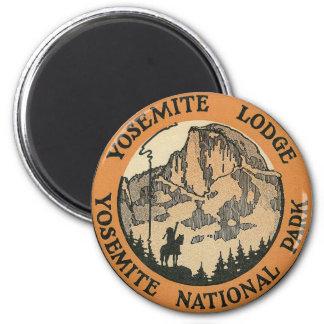 YOSEMITE NATIONAL PARK - VINTAGE TRAVEL MAGNET
