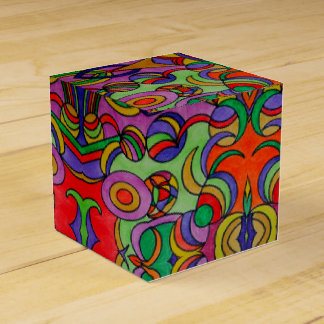 you curve and circles favour box