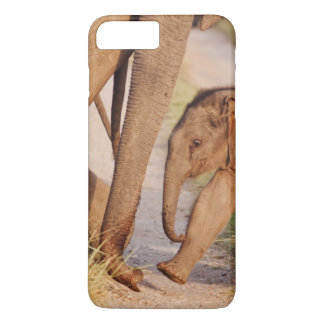Young one of Indian Asian Elephant iPhone 8 Plus/7 Plus Case