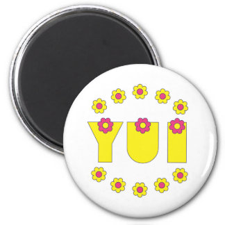 Yui in Flores Yellow 6 Cm Round Magnet