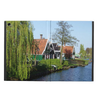 Zaanse Schans Dutch timber houses in green and red iPad Air Case