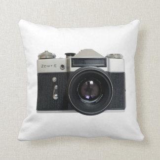 Zenith E Throw Cushions