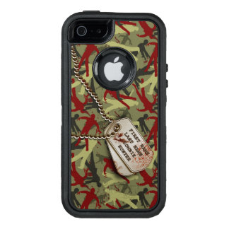 Zombie Camo with Dog Tags OtterBox iPhone 5/5s/SE Case