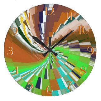 Zoom-Backward Clock for Unusual People